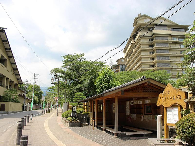 磐梯熱海温泉(当店から車で約5分)